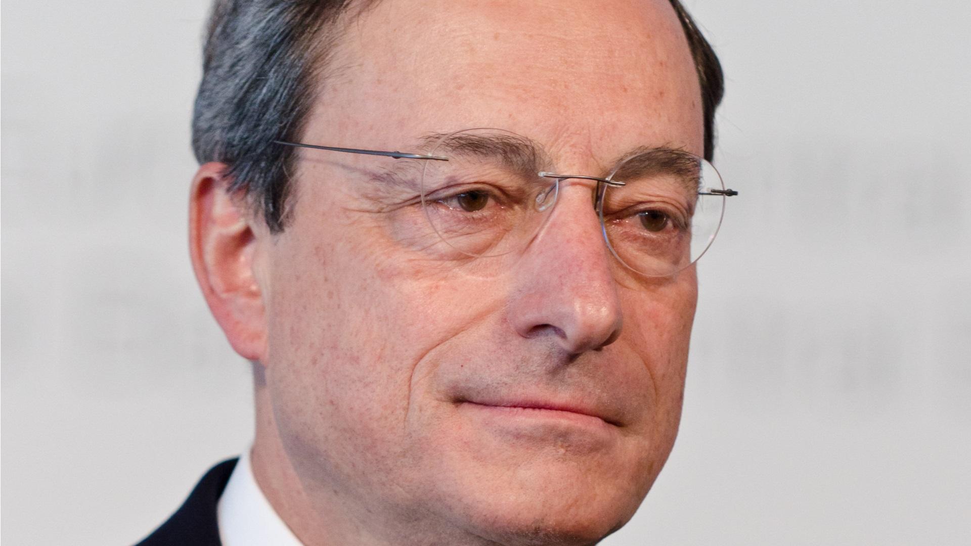 Bce: Draghi, su futuro del Qe decideremo in ottobre